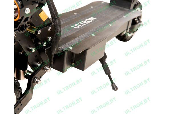Контроллеры спрятаны за деку Ultron T108